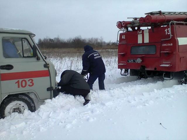 Спасатели помогли фельдшерам добраться на вызов