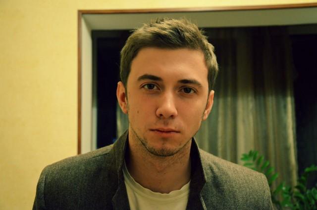 obichnie-fotki-russkogo-parnya-patsani-trahayutsya-onlayn