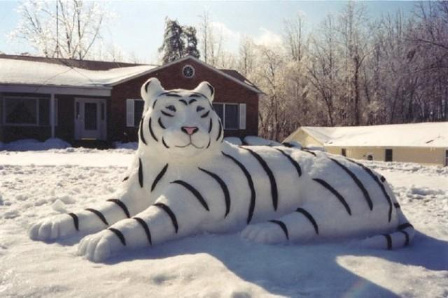 Фигура из снега фото