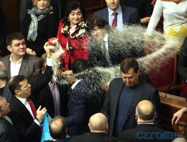 Депутаты не поддержали предложение Парубия вновь работать без перерыва - Цензор.НЕТ 7990