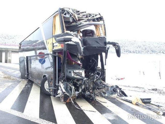 В Днепропетровской области маршрутка с пассажирами въехала в грузовик: 15 пострадавших - Цензор.НЕТ 2674