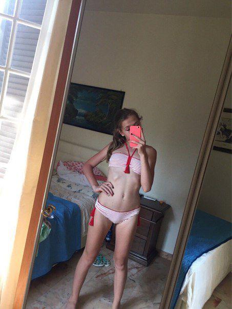 devochki-v-bikini-foto-erotika-2