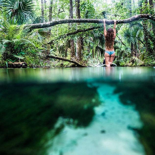 Скес молодая пара в тропическом раю 1 фотография