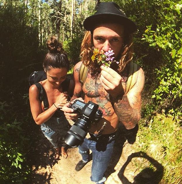 Скес молодая пара в тропическом раю 5 фотография