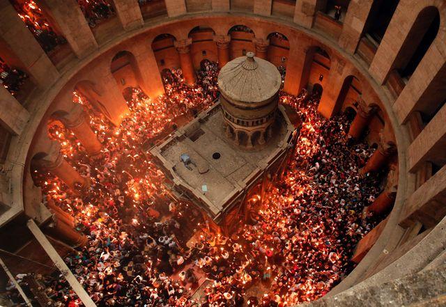 Главное чудо года: вИерусалиме сошел Благодатный огонь