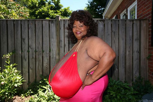 Женские груди самые большие фото