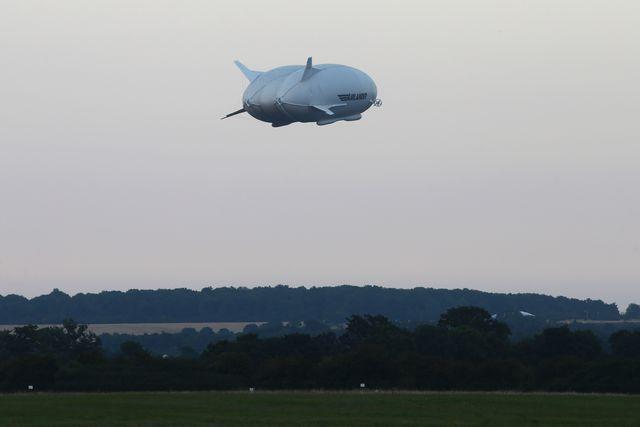 ВАнглии совершило тестовый полет самое огромное воздушное судно