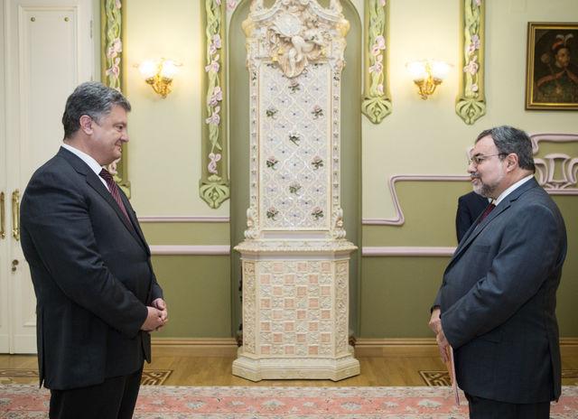 Порошенко принял верительные грамоты отнового посла США