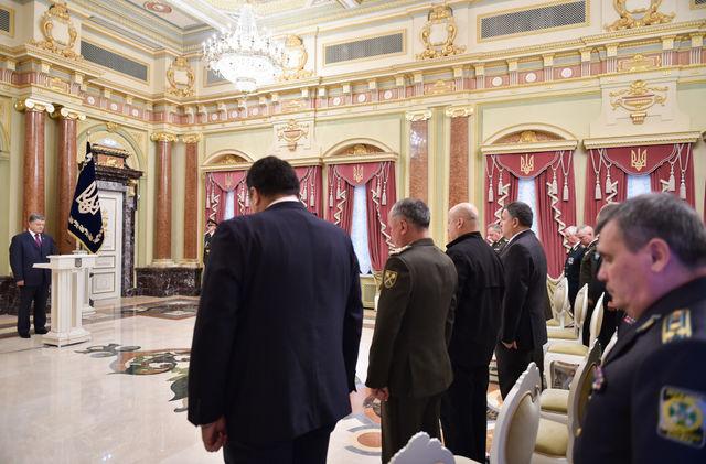 Порошенко пообещал покарать Моторолу заубийство украинских военных