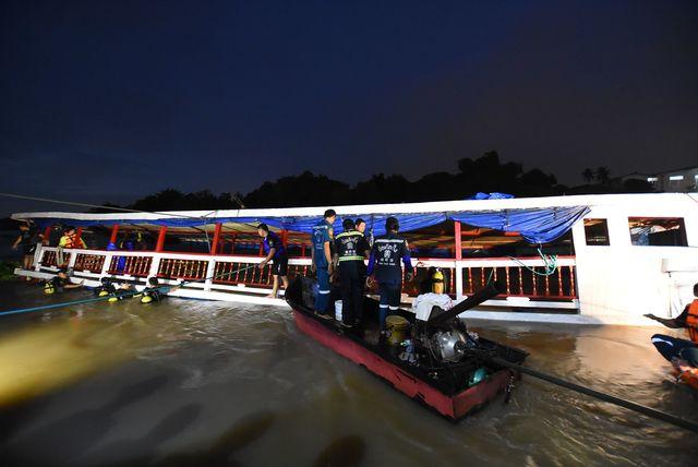 ВТаиланде пассажирский теплоход врезался вбетонную опору моста, 13 человек погибли