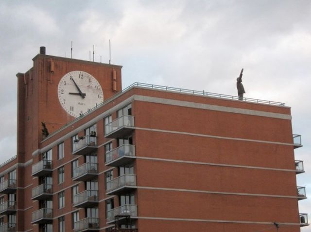 Статую Ленина убрали с«Красной площади»