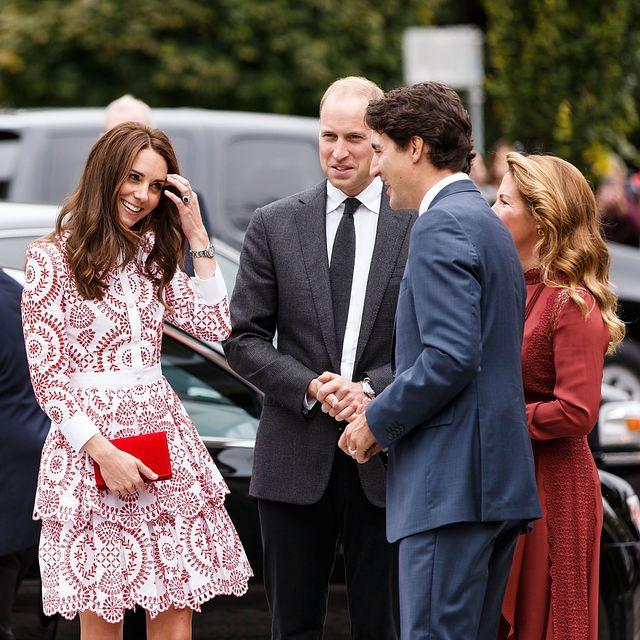 Кейт Миддлтон взяла ссобой вКанаду нарядов на80 тыс. долларов