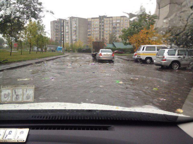 Прорывы канализации, пробки иплавающий сор — Потоп воЛьвове
