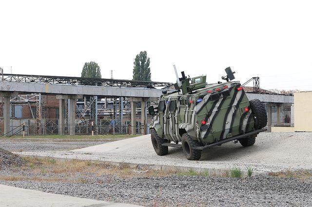 Вгосударстве Украина показали 1-ый беспилотный броневик «КрАЗ Спартан»