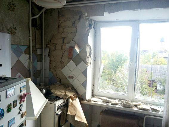 Жилые кварталы Марьинки обстреляли, повреждены 5 домов
