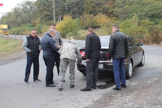 Пофакту обстрела автомобиля наЗакарпатье милиция квалифицировала как покушение наубийство