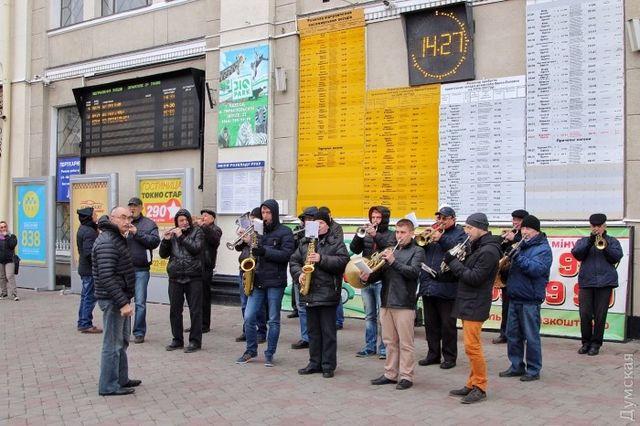 Одесса торжественно встретила двухмиллионного туриста