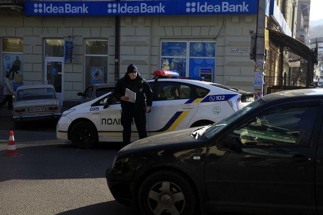 Вцентре Днепра экипаж патрульной милиции сбил пешехода