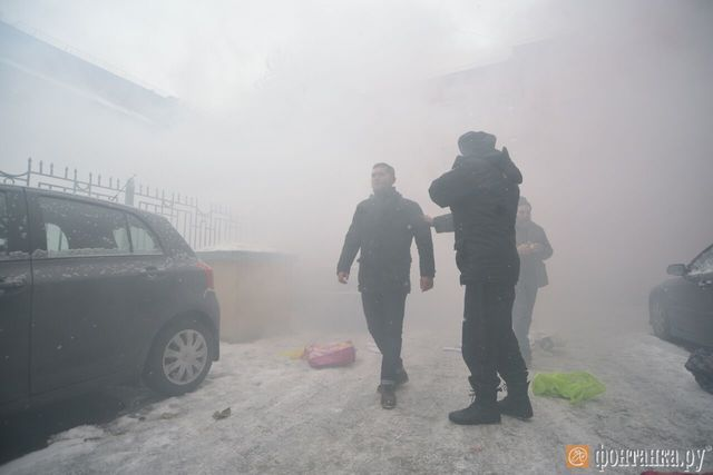 ВПитере забросали костями консульство Украинского государства