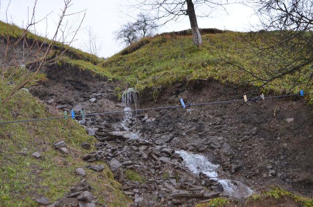 Дожди затопили Закарпатскую область: размыты дороги, подтоплены дома, разрушен мост
