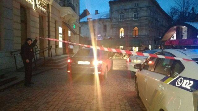 ВоЛьвове объявили масштабную эвакуацию— заминировано 4 торговых центра