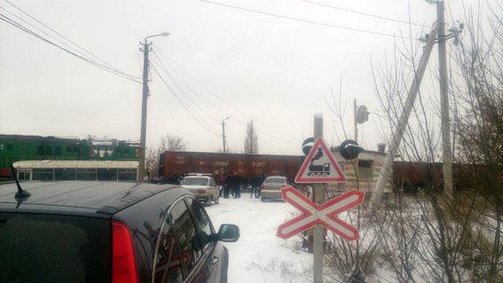 ВДонецкой области автобус попал под поезд, есть пострадавшие