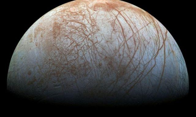ВNASA показали новые цветные фото Юпитера