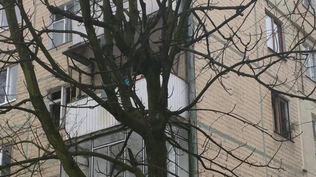 Взрыв вольвовской пятиэтажке: вквартире выбиты окна идвери