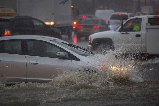 Самый мощнейший шторм за20 лет обвалился наКалифорнию