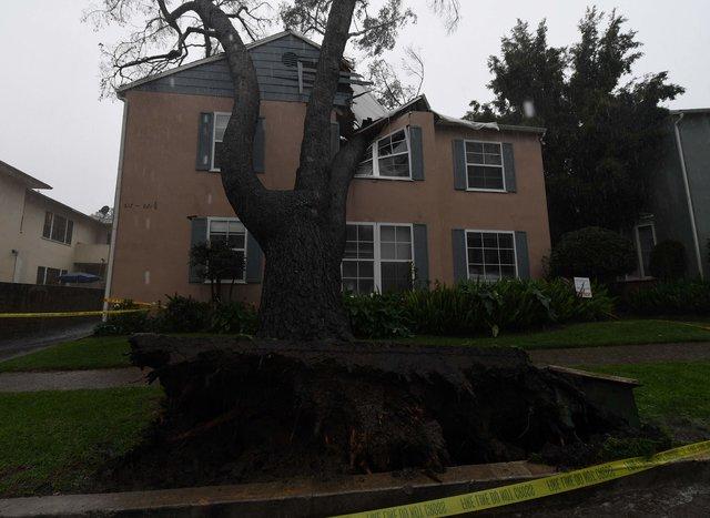 Шторм вКалифорнии унёс жизни четырех человек