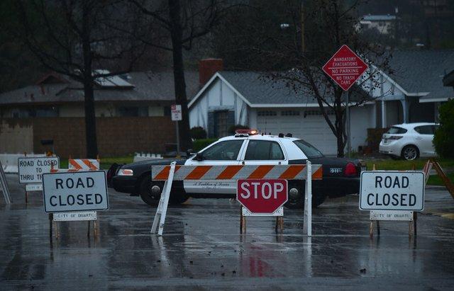 Жертвами сильной бури вКалифорнии стали 4 человека