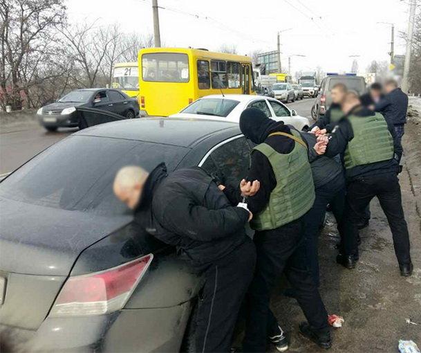 Под судом вКропивницком произошла стрельба, есть пострадавшие