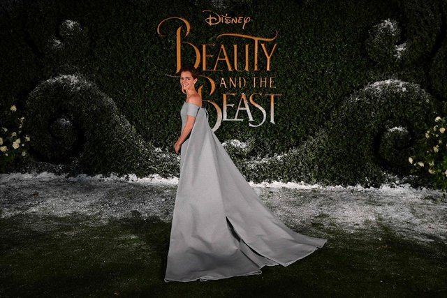 Эмма Уотсон выглядела как принцесса напремьере «Красавицы ичудовища»