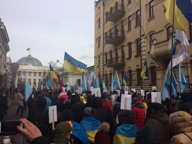 Первые кадры киевской акции против агрессии Владимира Путина вКрыму