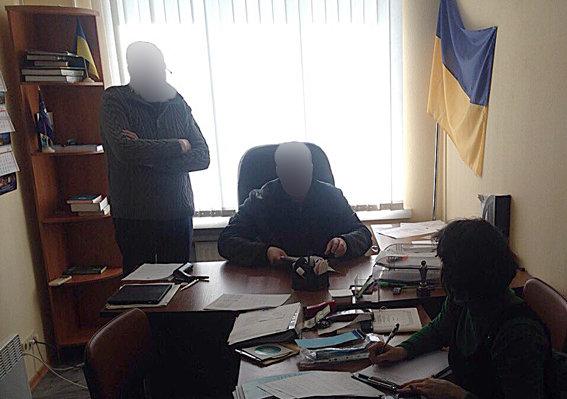 Завчерашний день милиция задержала 10 взяточников