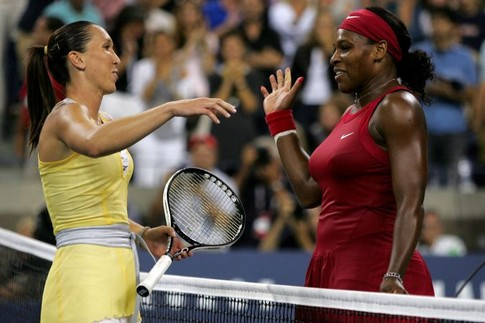 Jelena Jankovic of Serbia greets Serena Williams of the United States at the net after Williams won the women's singles final during the women's singles finals on Day 14 of the 2008 U.S. Open at the USTA Billie Jean King National Tennis Center on September 7, 2008 in the Flushing neighborhood of the Queens borough of New York City.   Matthew Stockman/Getty Images/AFP    == FOR NEWSPAPERS, INTERNET, TELCOS & TELEVISION USE ONLY ==