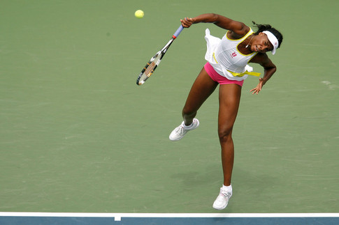 NEW YORK - AUGUST 30:  Venus Williams of the United States serves against Alona Bondarenko of the Ukraine during Day 6 of the 2008 U.S. Open at the USTA Billie Jean King National Tennis Center on August 30, 2008 in the Flushing neighborhood of the Queens borough of New York City.  (Photo by Nick Laham/Getty Images)