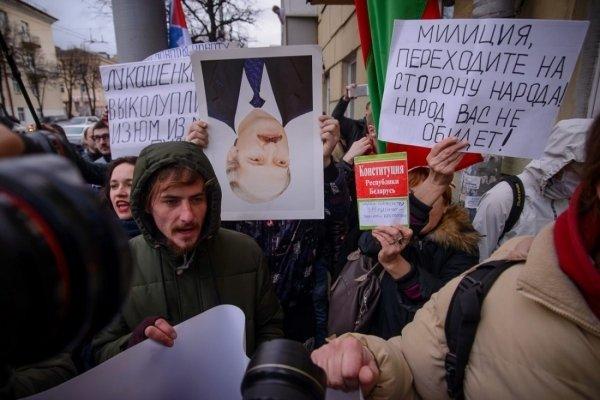 Титушки взялись задело— Протесты в Беларуссии