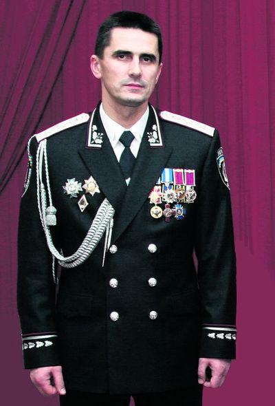 Находящийся в розыске Азаров продает свой особняк в Печерском районе Киева - Цензор.НЕТ 1404