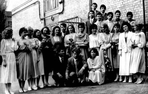 1986 год. Выпускной в школе №1 был омрачен Чернобыльской катастрофой. Фото Л.Гайдукевич