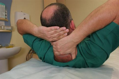 Как лечь чтобы не болела шея