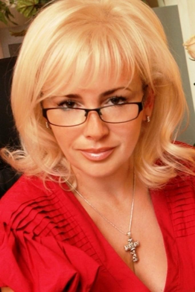 Клочкова в школе была прогульщицей, а Симонова получала двойки  по поведению фото 2