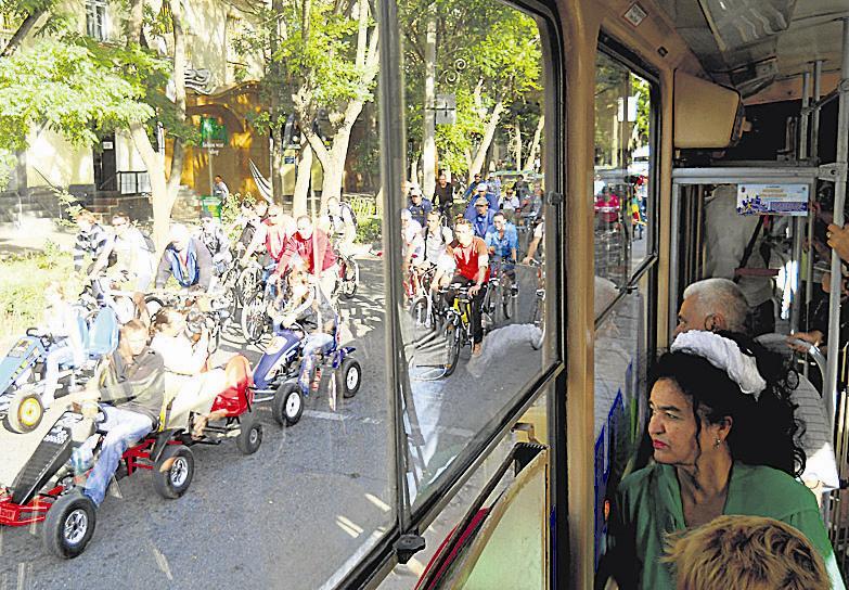 Рекородное количество чиновников на велосипедах 98(9)