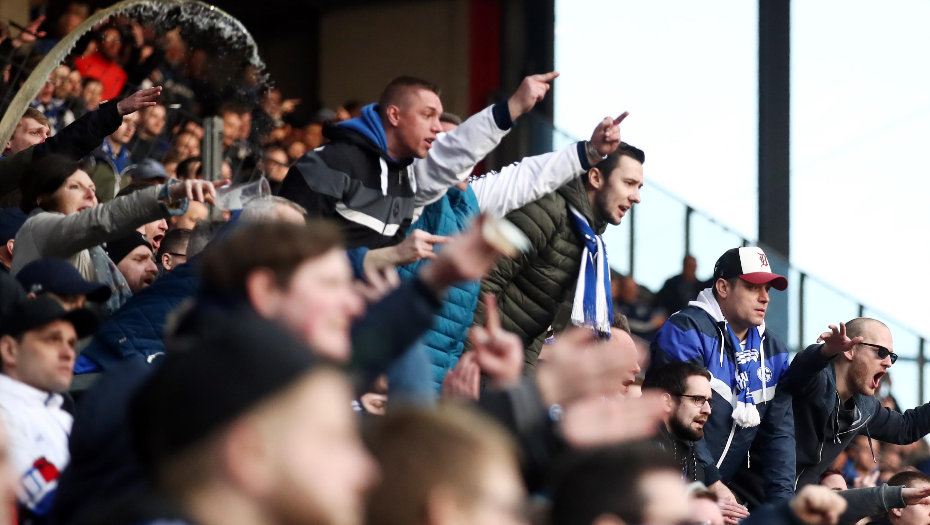 Манчестер сити болельщики спиной