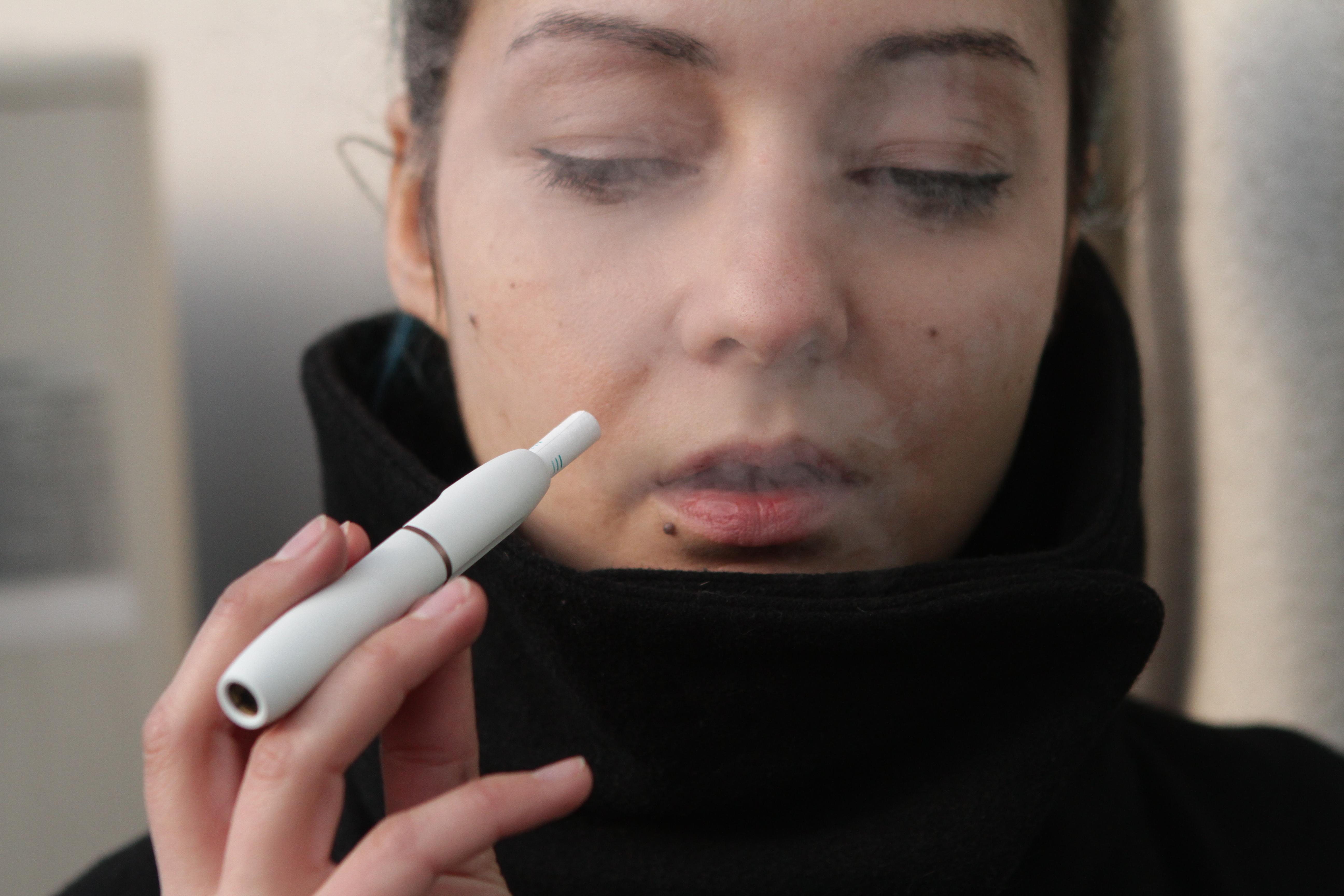 Невыгодная привычка: курильщикам придется платить за сигареты больше 100 грн, фото-2