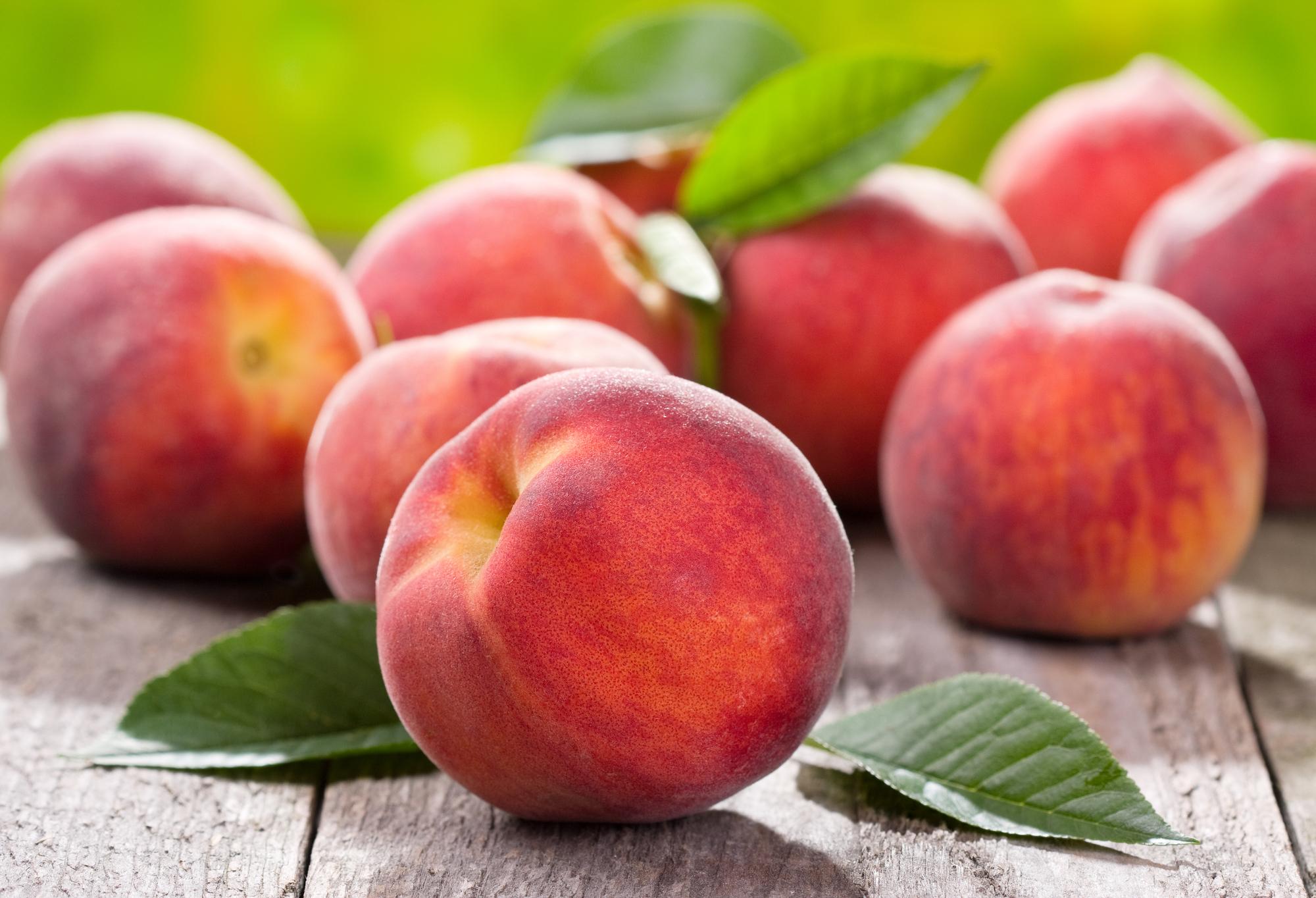 10 причин полюбити персики