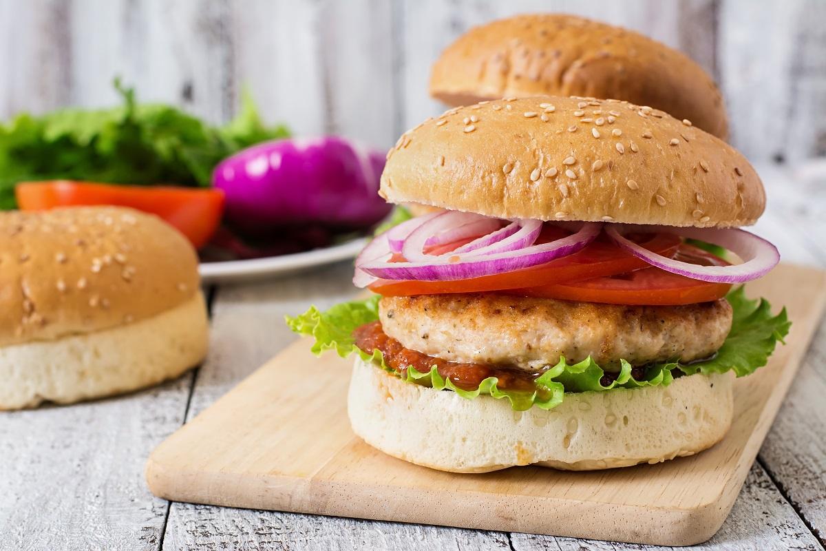 Домашние бургеры с курицей и овощами - простой рецепт с фото дома | СЕГОДНЯ