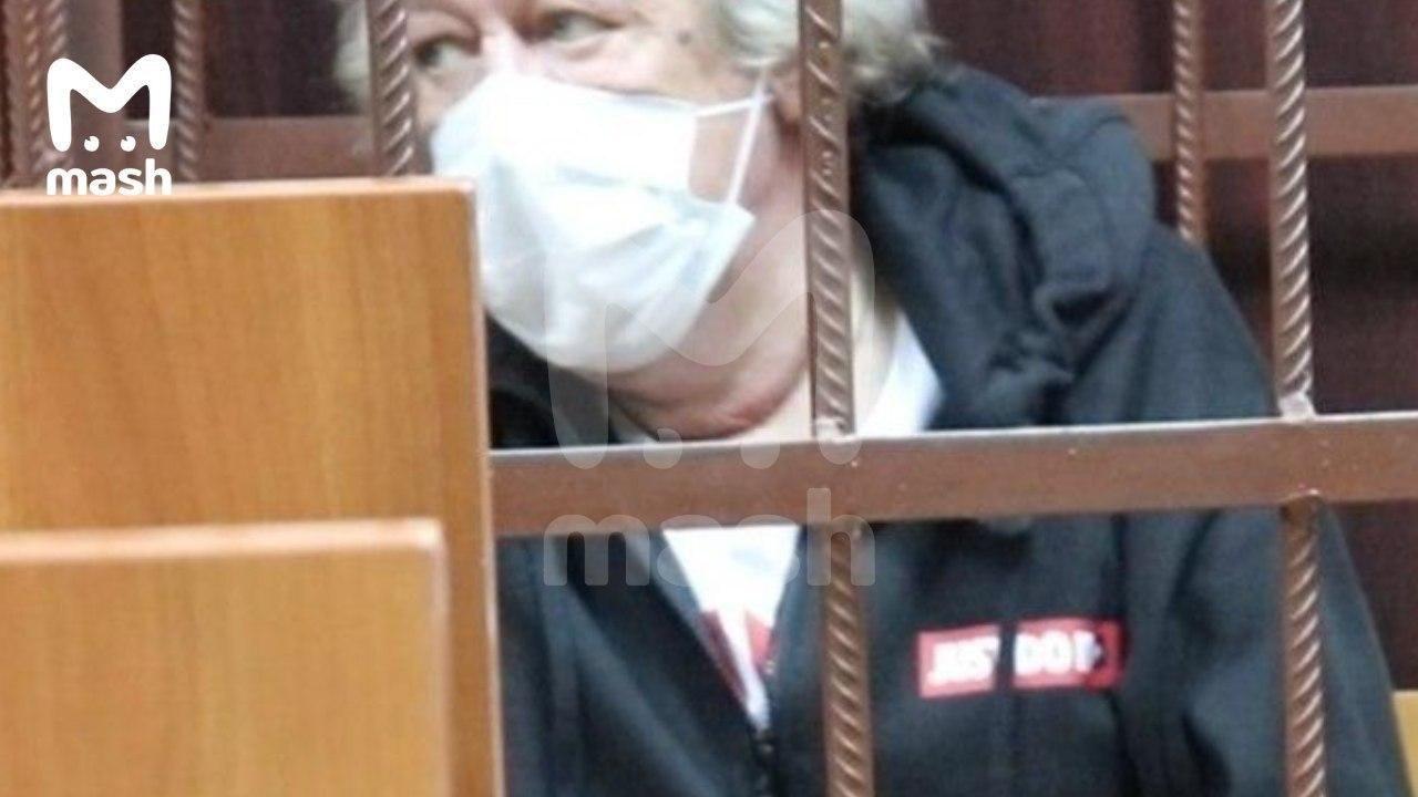 Адвокат Михайла Єфремова відповів на чутки про спробу актора накласти на себе руки