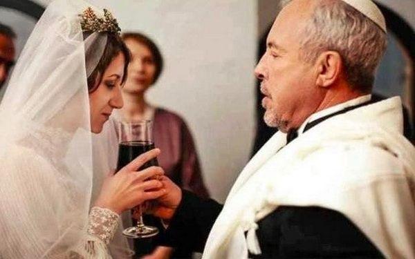 Запросили найближчих: в Мережі з'явилося перше фото таємного весілля Андрія Макаревича